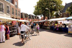 Maandag wekelijkse markt in Noordwijkerhout