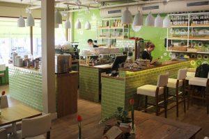 Barista Cafe in Dorpshart Lisse