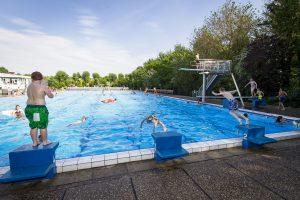 Buitenzwembad Hillegom de Vosse